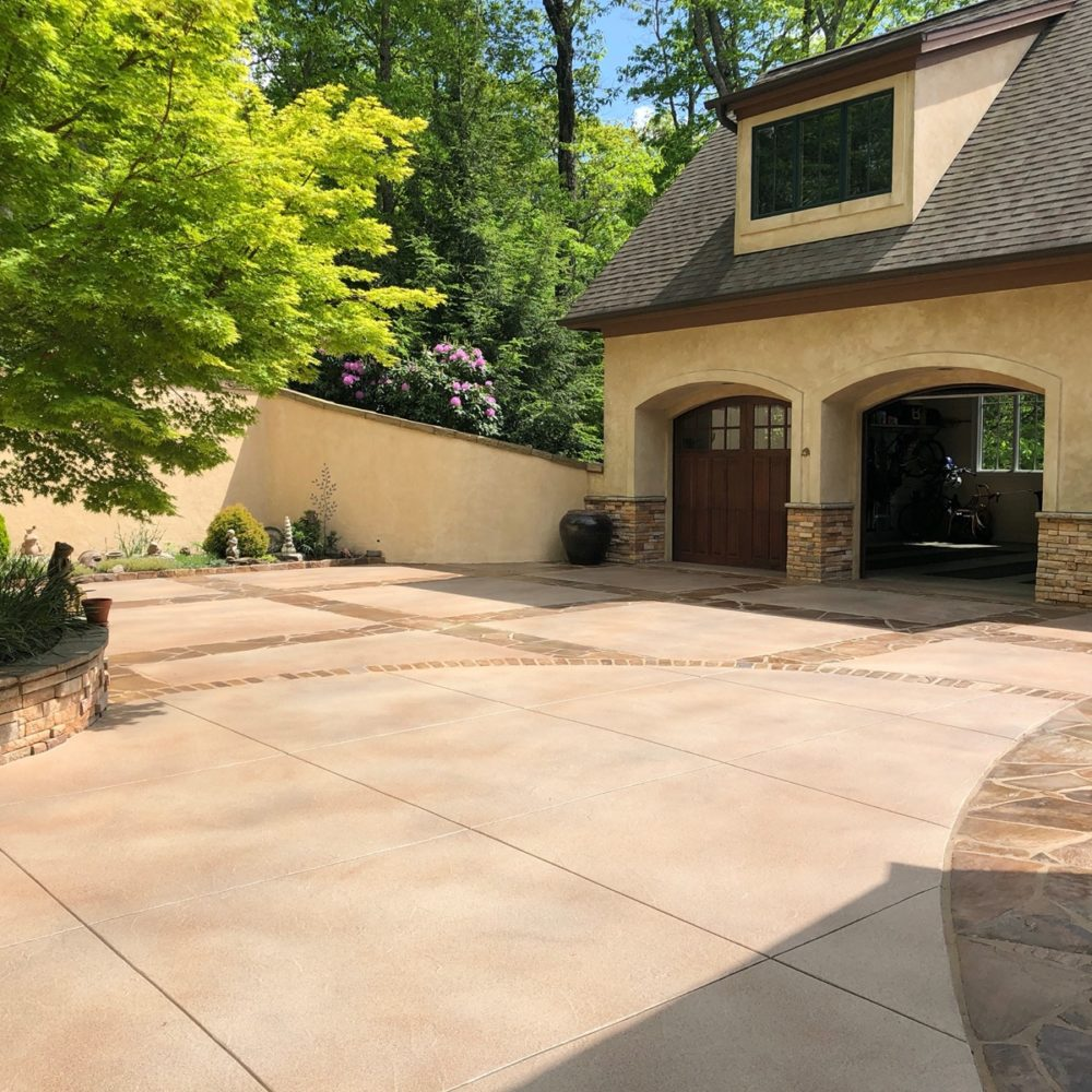 3 tones texture driveway with flagstone accents